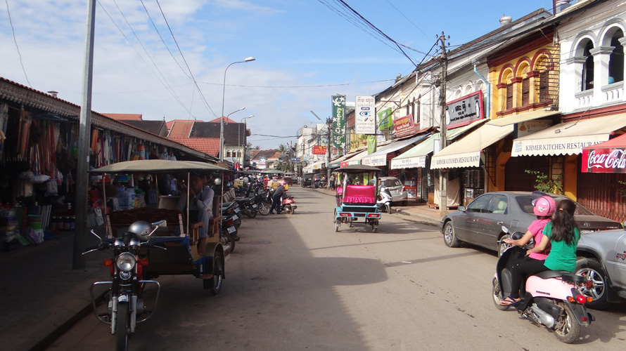 I just wanted to add a photo of what Siem Reap looks like in the day.