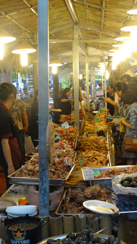 Just a quick photo of part of the food stalls going on when I first arrived in Saigon.
