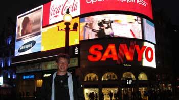Piccadilly Circus at night, Ken Curtis blog